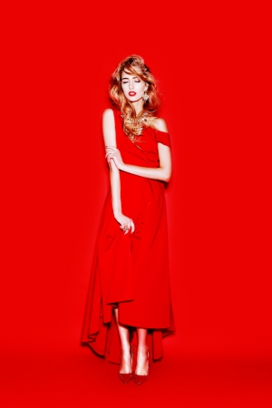 totalred-by-alexander-rogov-christmas-capsule-collection-evening-dress