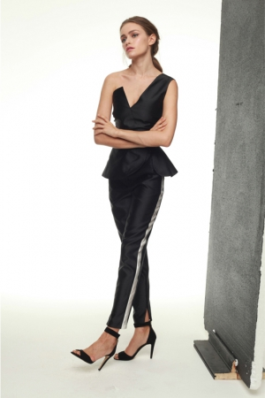 julia-kalmanovich-spring-summer-2014-top-one-sleeve