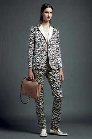 valentino-resort-2013-35-grey-suit