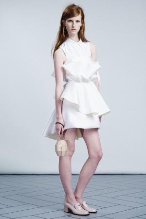viktor-rolf-resort-2014-white-romantic-dress