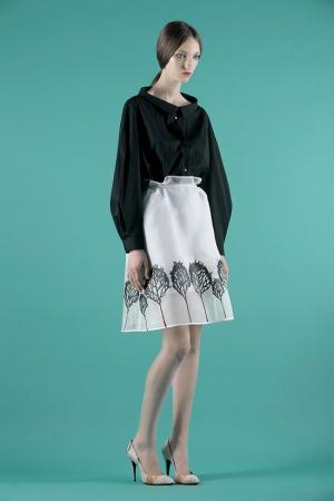vika-gazinskaya-spring-summer-2014-black-blouse