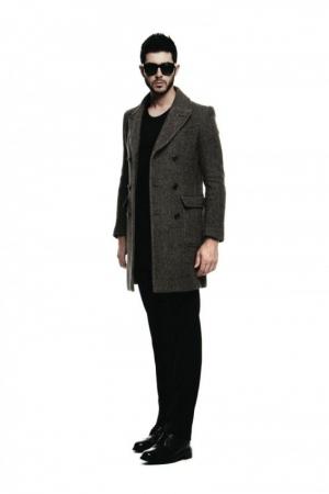 zero_underscore-fall-winter-2013-2014-mens-fashion-grey-coat